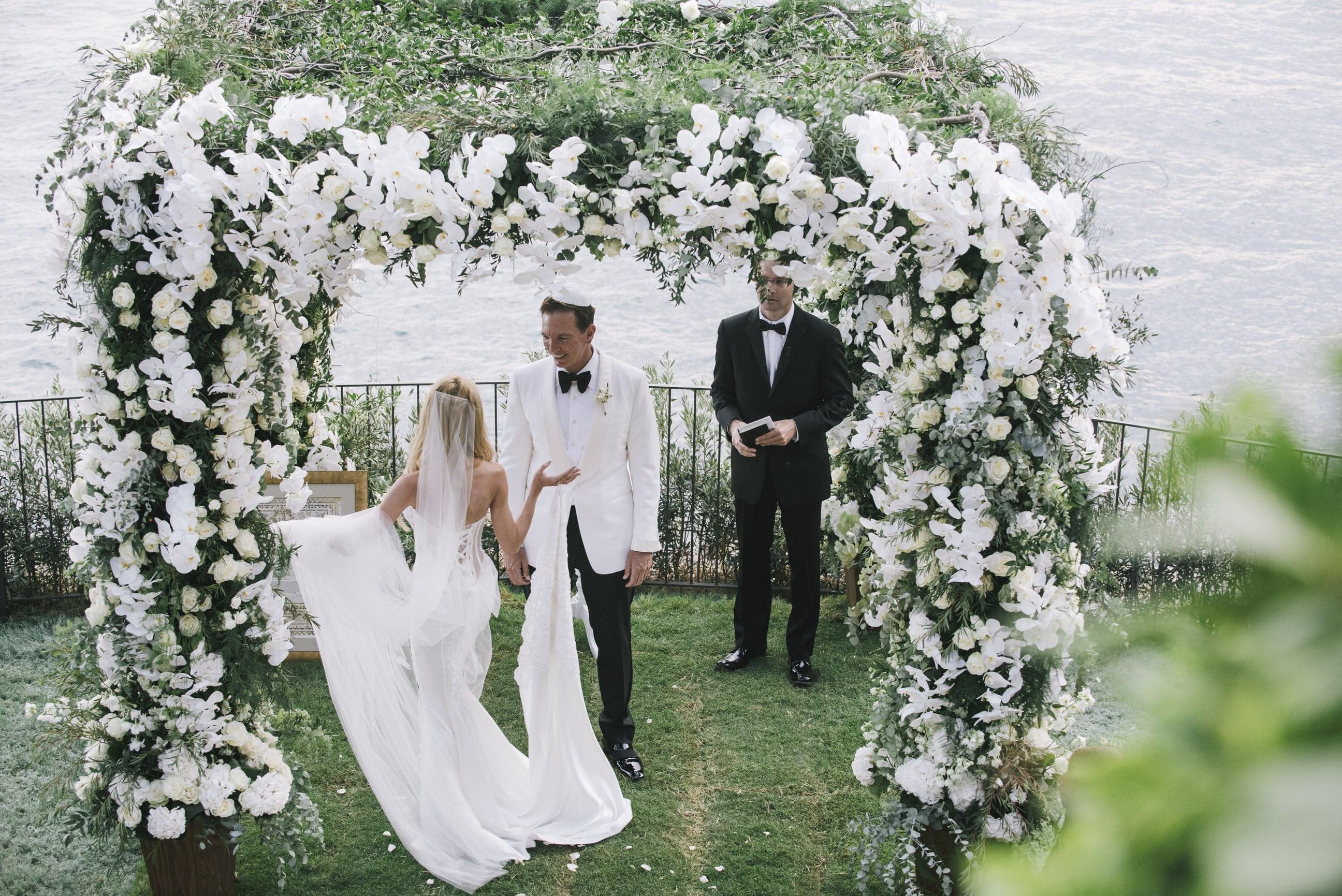 wedding-day-villa-tre-ville-outdoor-ceremony