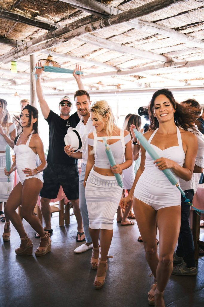 Dancing at La Fontelina in Capri at this Positano wedding weekend in Villa Tre Ville | Photo by Gianni di Natale