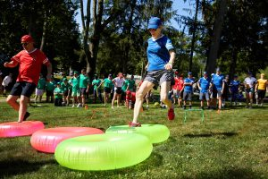 Field day games at this camp-themed wedding weekend at Cedar Lakes Estate in Upstate NY, USA   Photo by Christian Oth Studios