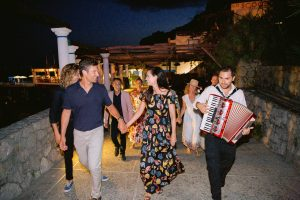 Evening pizza party at this Amalfi Coast wedding weekend held Lo Scoglio | Photo by Allan Zepeda