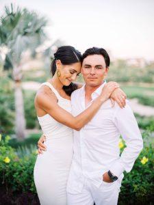 Bride and groom at this Los Cabos wedding in Mexico | Photo by Allan Zepeda