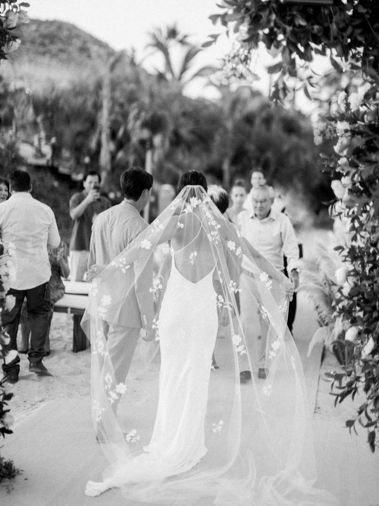 Newlyweds at this Los Cabos wedding in Mexico | Photo by Allan Zepeda