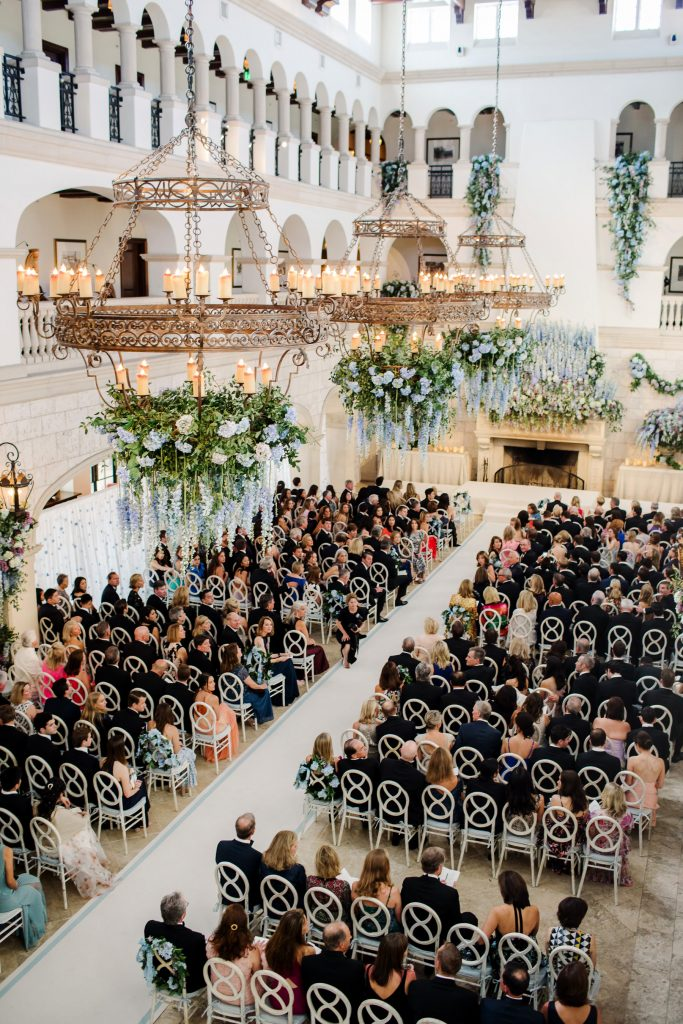 The Cloister wedding ceremony at this Sea Island wedding weekend in Georgia, USA | Photo by Liz Banfield